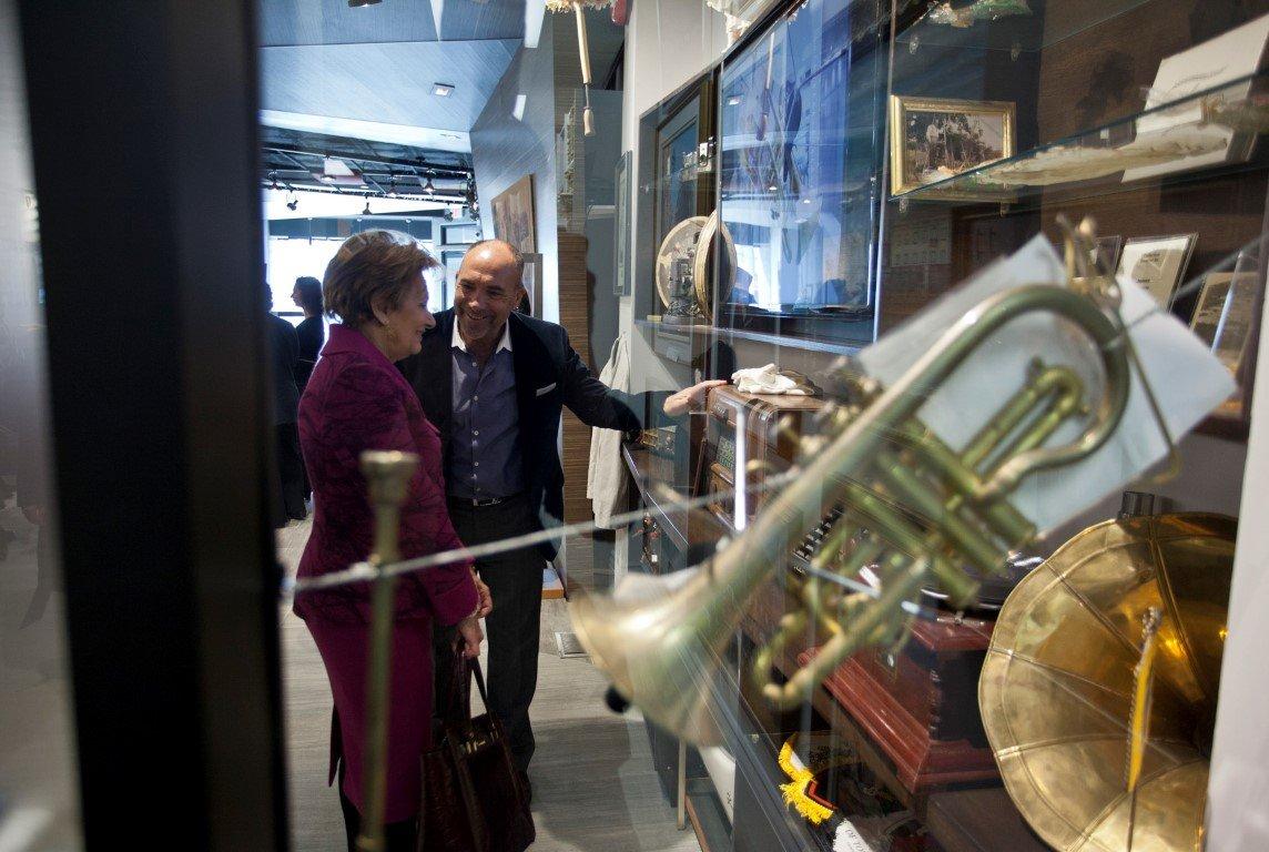 Maria Cavaco Silva Visits the Gallery - 06